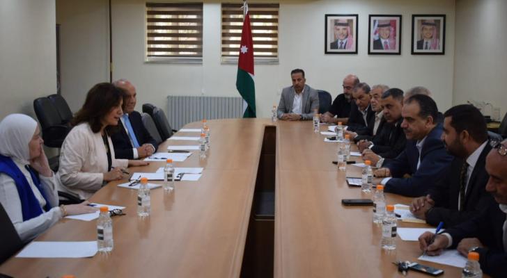 اجتماع وزيرا الطاقة والثروة المعدنية المهندسة هالة زواتي، والزراعة والبيئة المهندس إبراهيم الشحاحدة
