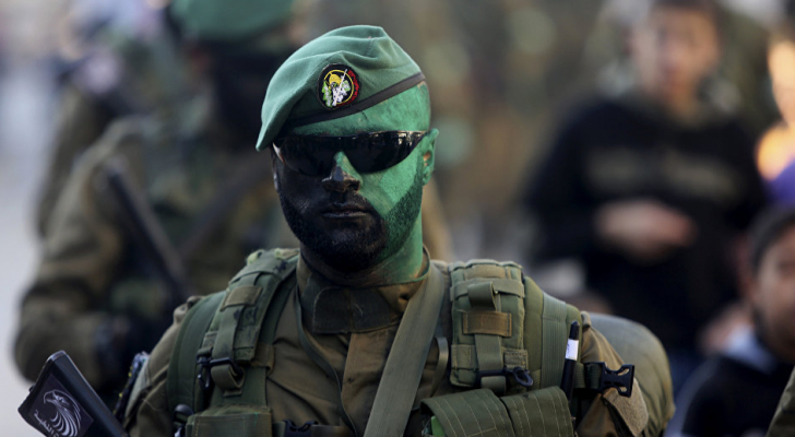 ارشيفية لأحد مقاتلي كتائب القسام