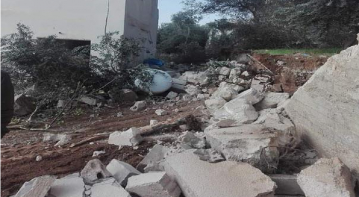 انهيار سور مدرسة ثانوية في لواء ذيبان ولا إصابات