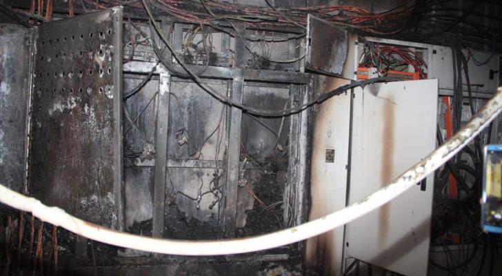 جزء من الحريق داخل المول