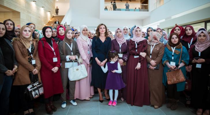 الملكة رانيا العبدالله تلتقي بخريجي الدفعة الثانية من الدبلوم المهني لإعداد وتأهيل المعلمين