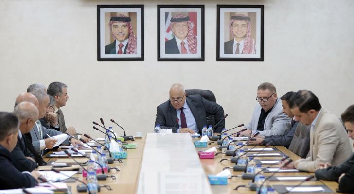 اللجنة النيابية المالية