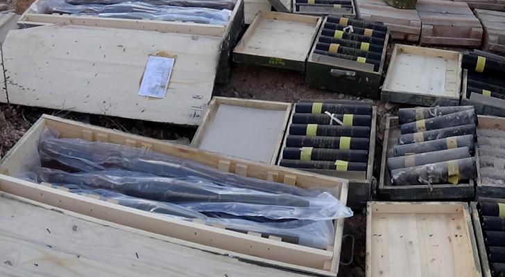 مستودعات اسلحة وصواريخ قرب الحدود الاردنية السورية
