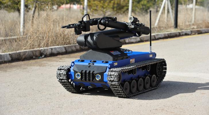 إحدى الروبوتات العسكرية