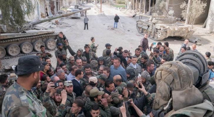 الأسد يزور مواقع قواته في الغوطة الشرقية - أرشيفية