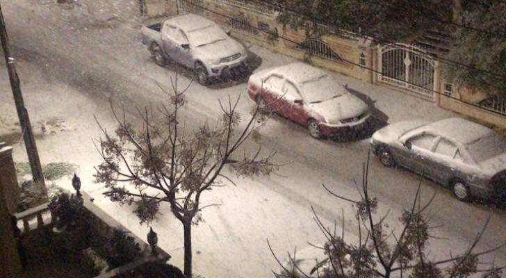 الثلوج في منطقة خلدا بالعاصمة عمان