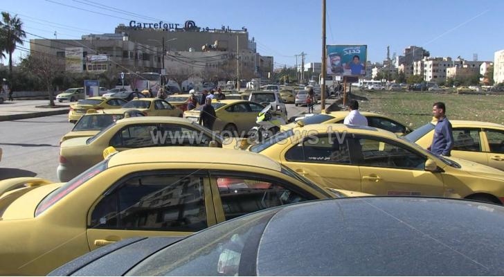 سائقو  التكسي الأصفر يعتصمون في إربد