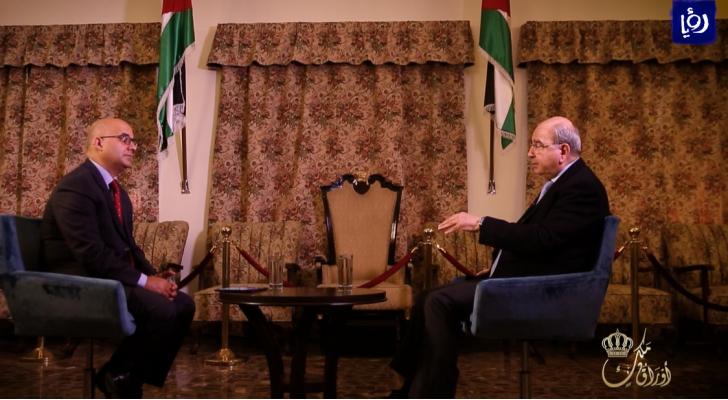 لقاء رئيس الوزراء الأسبق طاهر المصري في برنامج اوراق ملك