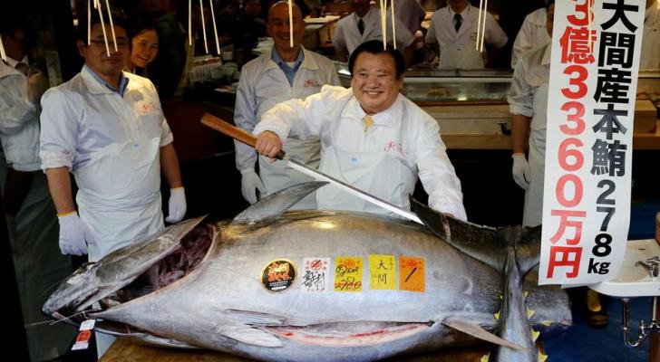 سمكة التونة ذات الزعانف الزرقاء التي بيعت بمبلغ 33.6 مليون ين