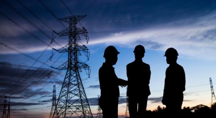 صيانة الكهرباء - ارشيفية