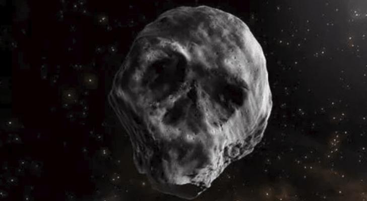 يبلغ حجمه بحدود 1.3 كيلومتر، ووزنه بحدود 2.4 تريليون كيلوغرام.