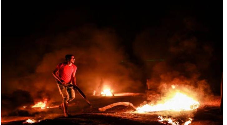 إصابة ثلاثة شبان فلسطينيين بنيران الاحتلال في قطاع غزة