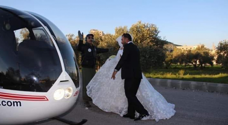 أردني يزف عروسه بطائرة