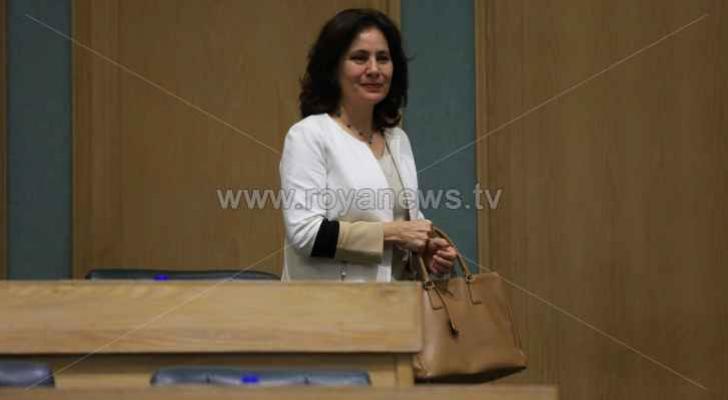 وزير الطاقة والثروة المعدنيّة المهندسة هالة زواتي   - ارشيفية