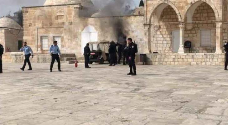 الاحتلال يغلق بوابات المسجد الأقصى