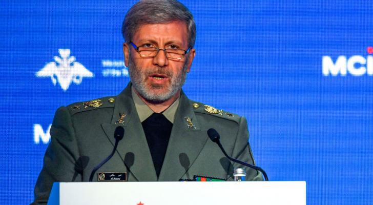 وزير الدفاع الإيراني يهدد الاحتلال بالرد المباشر اذا تحركت ضد مبيعاتها للنفط