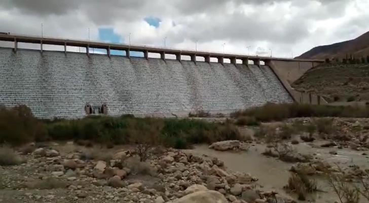 لأول مرة في آن واحد مياه 4 سدود تفيض في الأردن