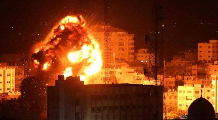 قوات الاحتلال تشن عدة غارات على غزة