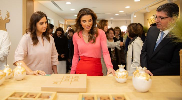 الملكة رانيا تفتتح المعرض السنوي للمنتجات الحرفية