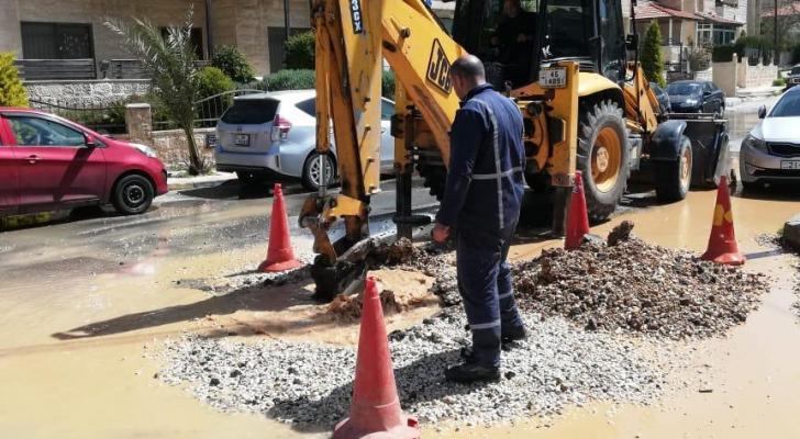 صورة من موقع انكسار خط المياه