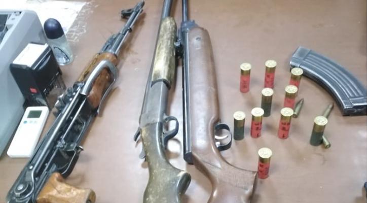 الجمــــارك تحبط تهريب ثلاث قطع سلاح وعتادها