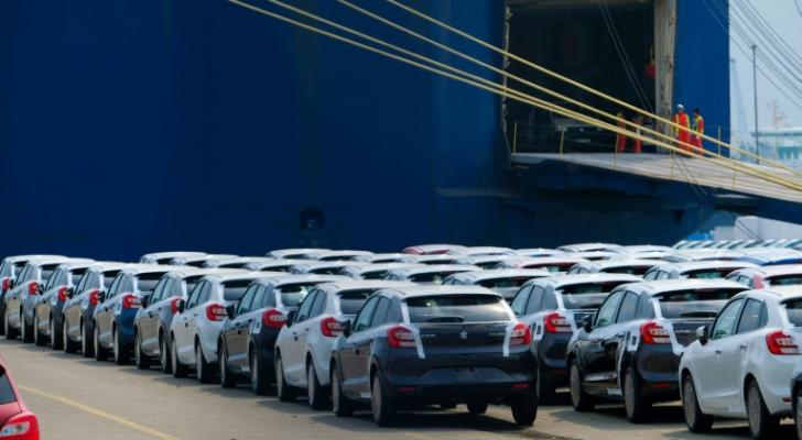 سيارات سوزوكي معدة للشحن في ميناء برميرهافن شمال ألمانيا