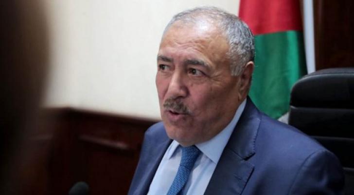 وزير الصحة غازي الزبن