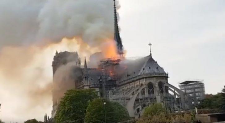 احتراق كاتدرائية نوتردام في باريس