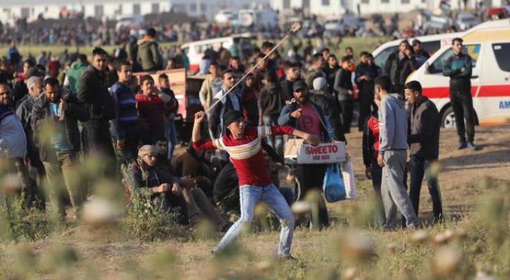 """42 إصابة باعتداء الاحتلال على المشاركين بجمعة """"يوم الأسير"""" بغزة"""