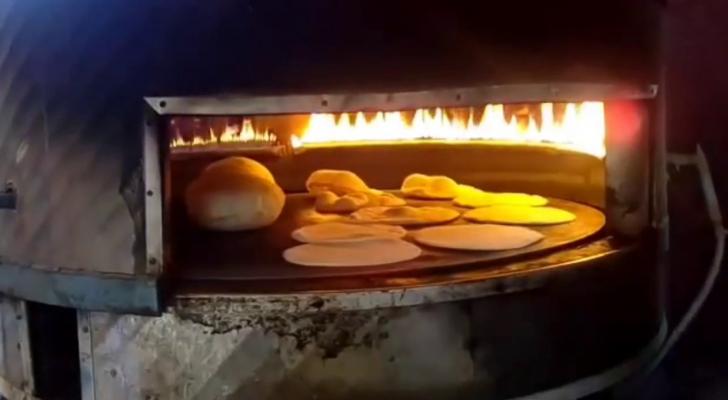 المخابز التي تقوم ببيع الخبز العربي والمناقيش لا تتوفر فيها أحيانا كبعض شروط الصحة