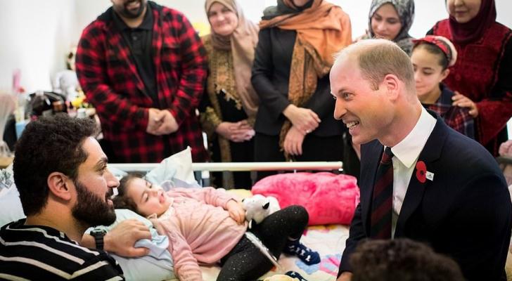 الامير وليام يزور الطفلة الاردنية لين الساطي