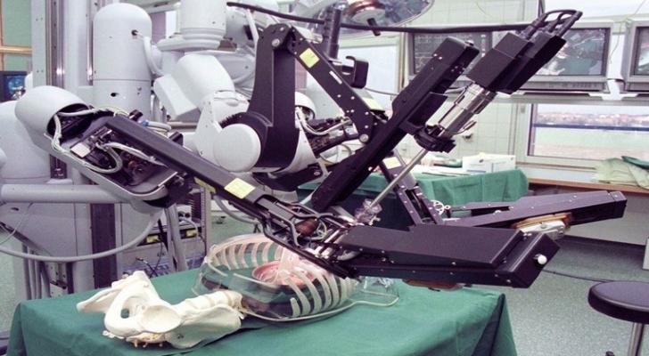 الروبوتات الذاتية، تلغي الفوارق بين أفضل الجراحين والأطباء الأقل خبرة