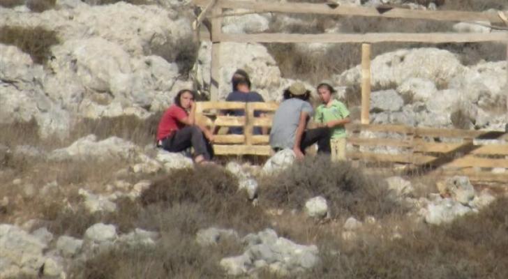 إصابة 3 فلسطينيين إثر اعتداء المستوطنين عليهم غرب رام الله