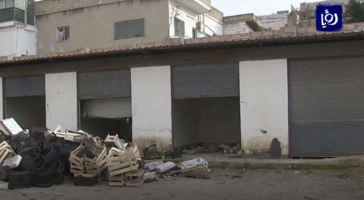 تجار يهجرون سوق خضار دير أبي سعيد الذي تحول الى مكرهة صحية
