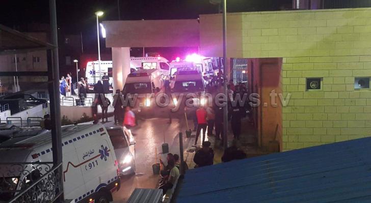 لحظة وصول المصابين والوفيات الى مستشفى الأميرة بسمة في اربد