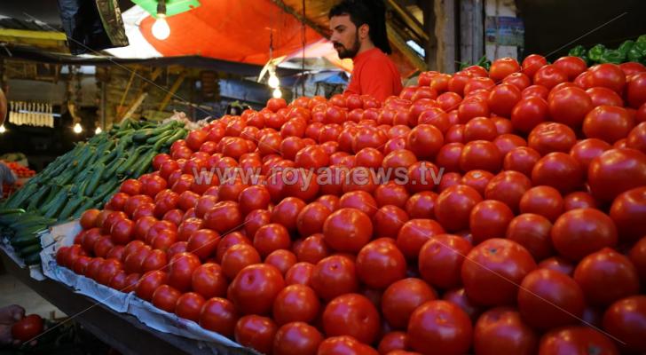 من أسواق الخضار في العاصمة عمان