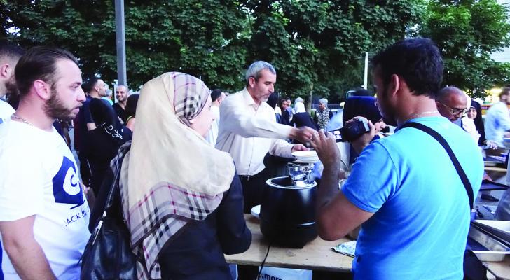 زوج امه المسلم لم يجبره على تغيير ديانته