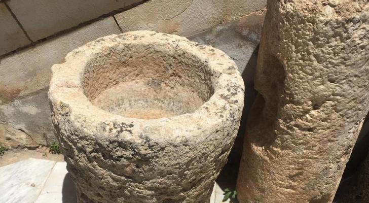 الأمن الوقائي يضبط مجموعة من القطع الأثرية ذات القيمة التاريخية في محافظة جرش.
