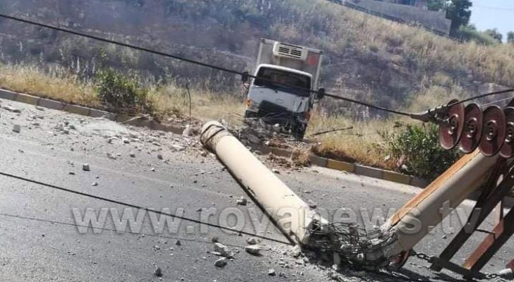 الحادث اغلق طريق اربد عماد جزئيا