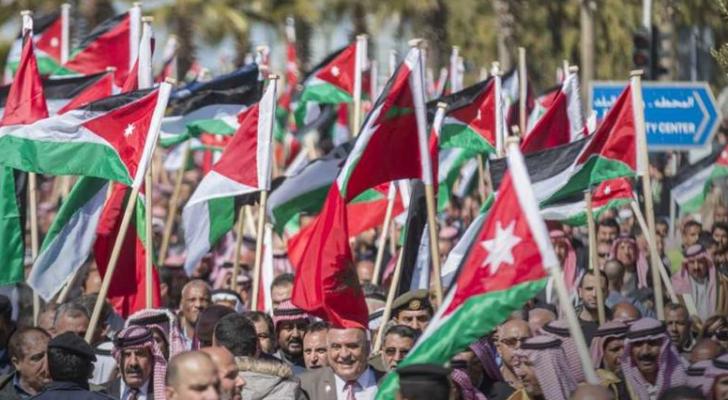مسيرات شعبية وفعاليات احتفاء بعيد الاستقلال