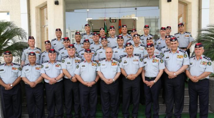 إرادة ملكية بترفيع كوكبة من ضباط الدفاع المدني