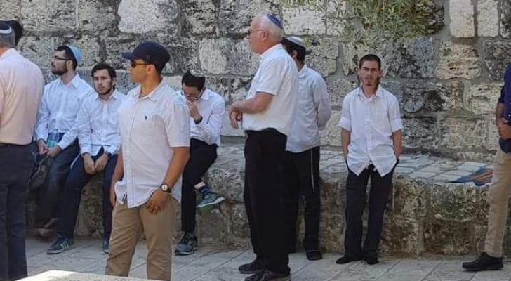 وزير الزراعة في حكومة الاحتلال يقتحم باحات المسجد الاقصى