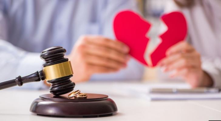 الطلاق له آثار كبيرة على الزوجين خاصة في عمر متقدم - ارشيفية