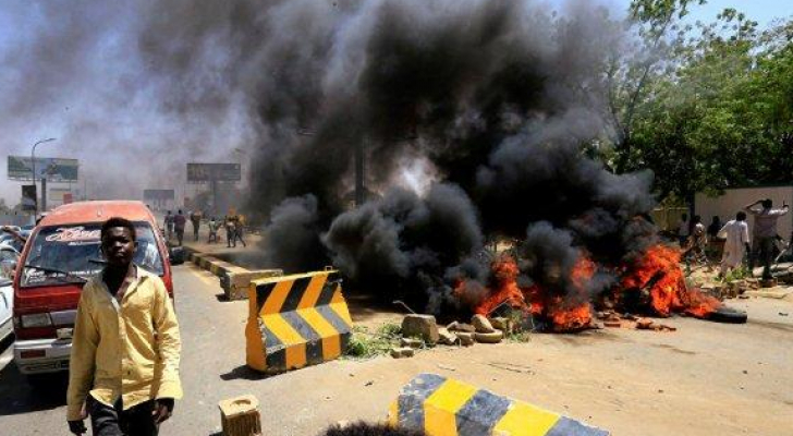 من اعتصام السودانيين في الخرطوم - ارشيفية