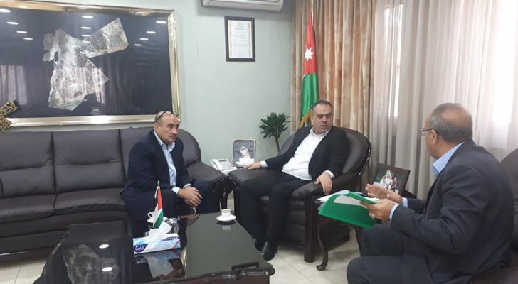 الشحاحدة يلتقي نقيب الأطباء البيطريين الدكتور مهدي العقرباوي