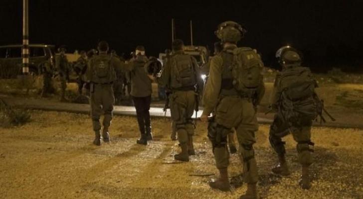 الجيش حول المعتقلين للتحقيق