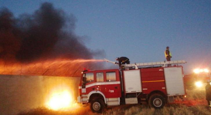حريق مصنع اسفنج في اربد