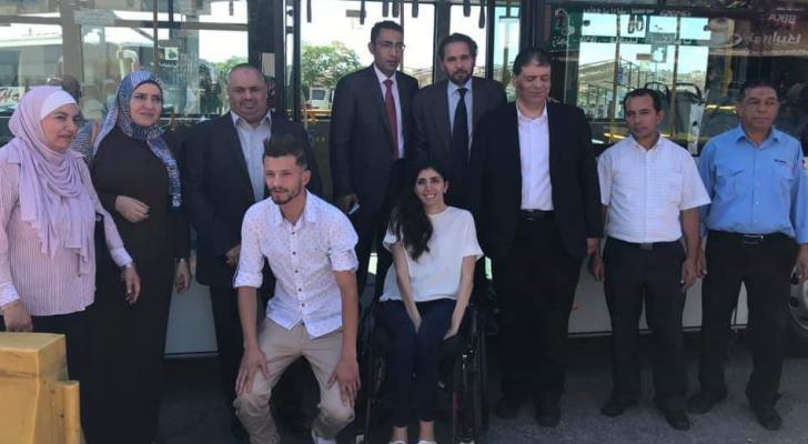 """الأمير مرعد بن رعد يتفقد مشروع """"باص عمان"""""""