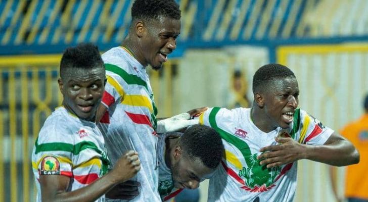 فرحة لاعبي السنغال بعد تسجيل هدف الفوز