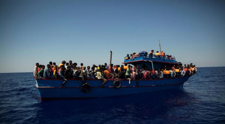 """63 نائبا فرنسيا يعتبرون توقيف قبطانة سفينة لإنقاذ المهاجرين """"تجاوزا خطيرا"""""""